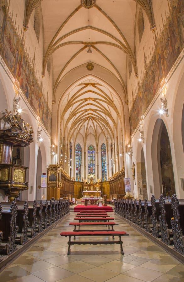Trnava - het schip van de gotische Sinterklaas-kerk royalty-vrije stock afbeeldingen