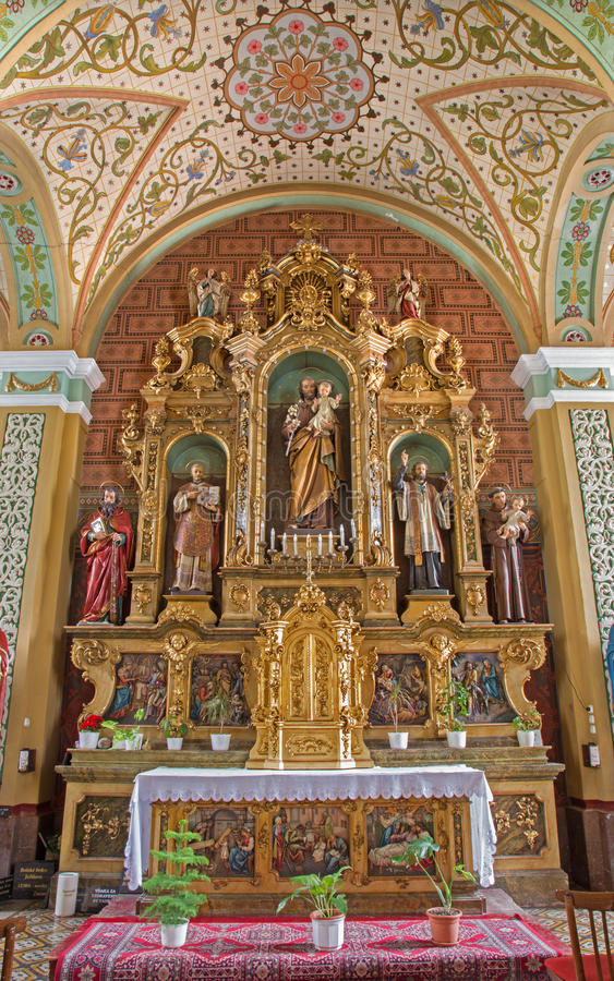 Trnava - sidoaltare av St Joseph royaltyfri foto