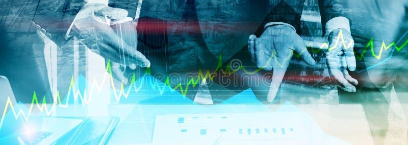 Troca, conceito em linha dos estrangeiros, do investimento e do mercado financeiro fotografia de stock royalty free