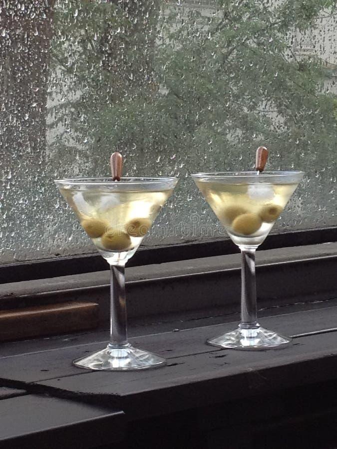 Trockene Martinis nach Regen lizenzfreie stockbilder