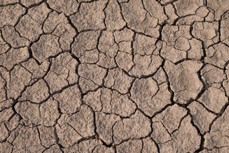 Download Trockene Und Gebrochene Erdbeschaffenheit Globaler Klimawandel Stockfoto - Bild von braun, wüste: 90234124