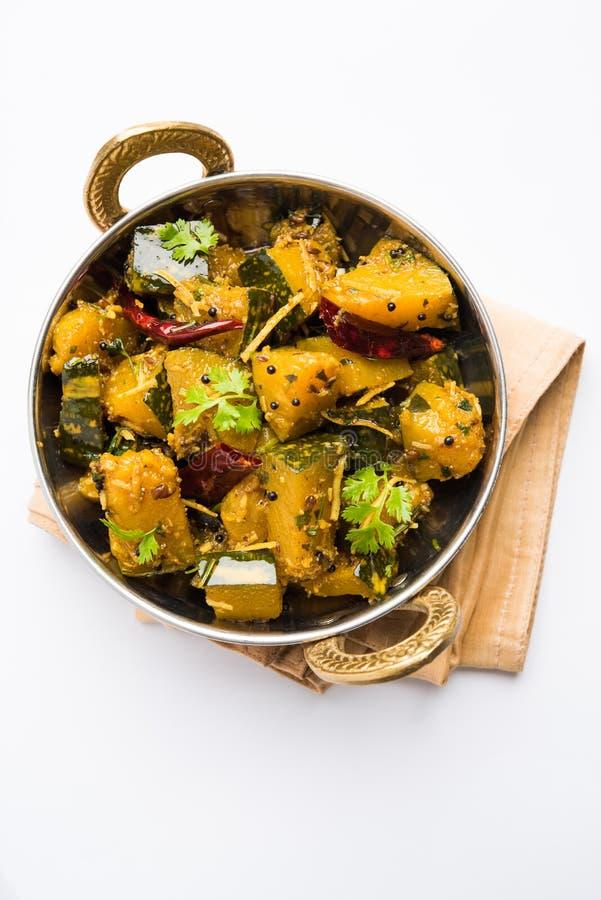 Trockener Curry populären indischen Hauptgericht Gemüsekürbises oder kaddooor kaddu ki sabzi in Hindi, lal bhopla Chi bhaji im Ma lizenzfreie stockfotografie