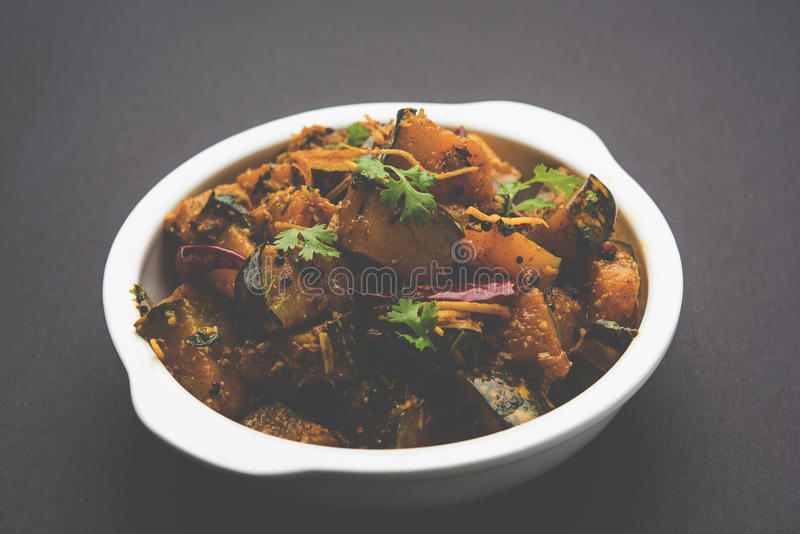 Trockener Curry populären indischen Hauptgericht Gemüsekürbises oder kaddooor kaddu ki sabzi in Hindi, lal bhopla Chi bhaji im Ma stockfoto