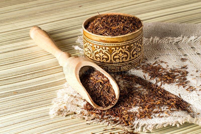 Trockener ethnischer afrikanischer rooibos Tee lizenzfreies stockfoto
