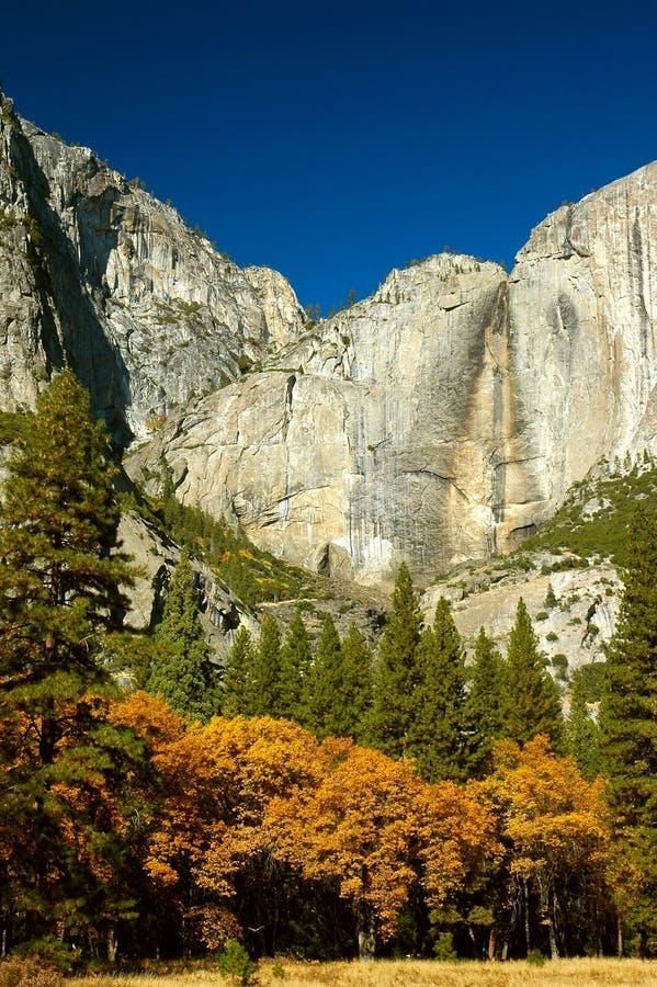 Trockenes Yosemite Falls stockfotos