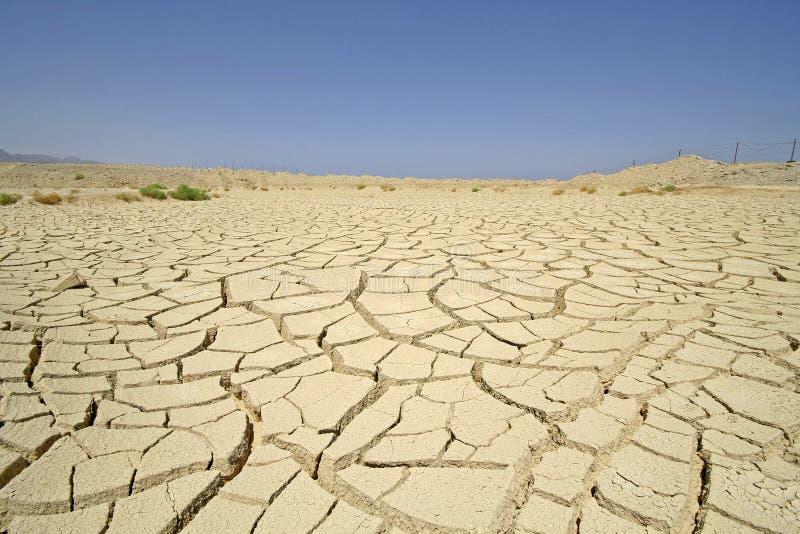 Trocknen Sie Wüste in der Meerregion, lizenzfreies stockfoto
