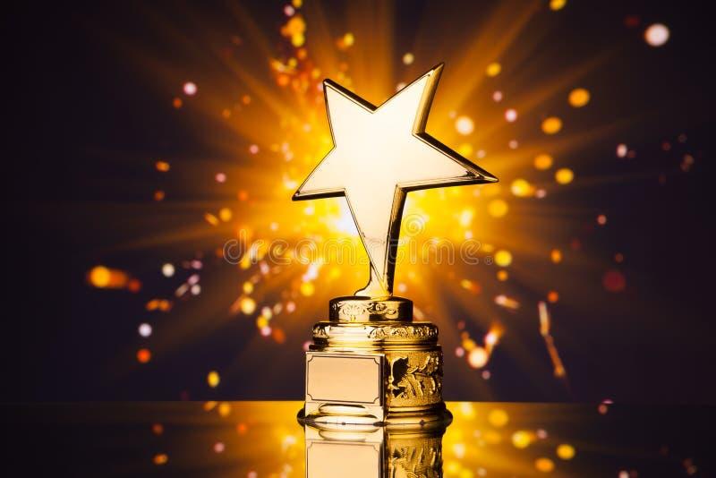 Troféu da estrela do ouro imagem de stock royalty free
