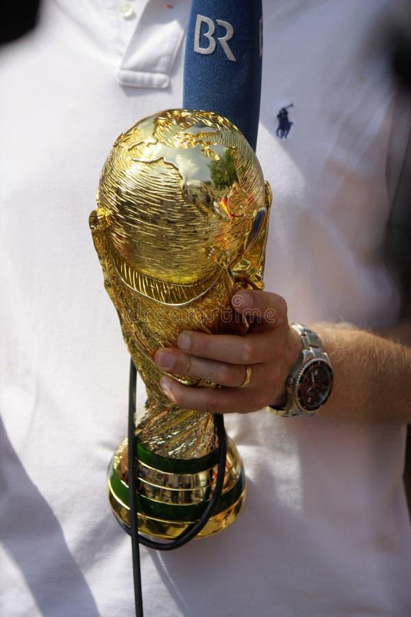 Troféu do campeonato do mundo do futebol imagens de stock royalty free