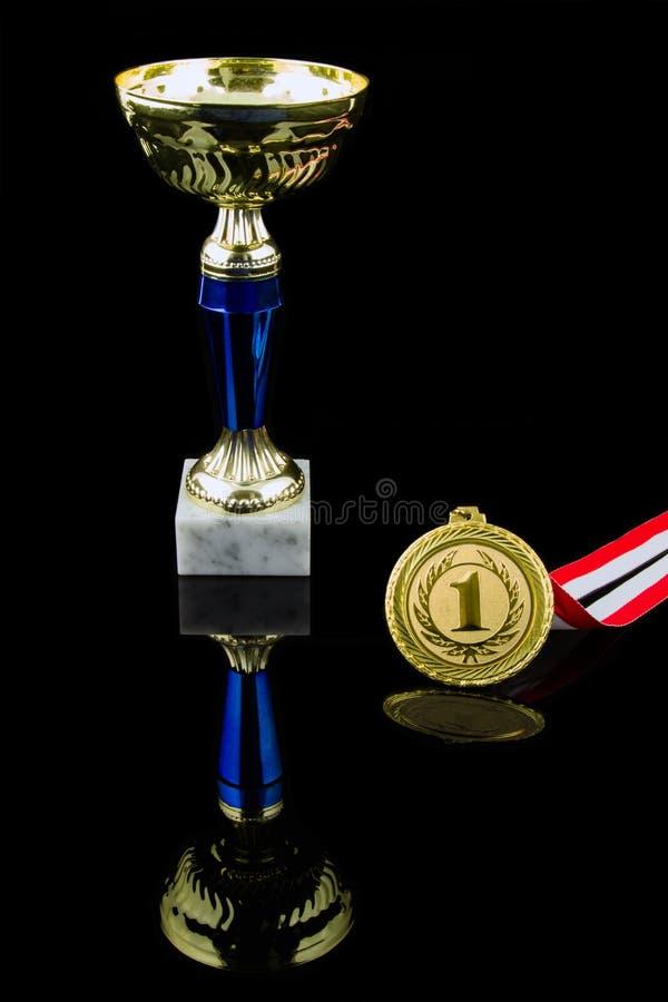 Trofeo del oro imagenes de archivo