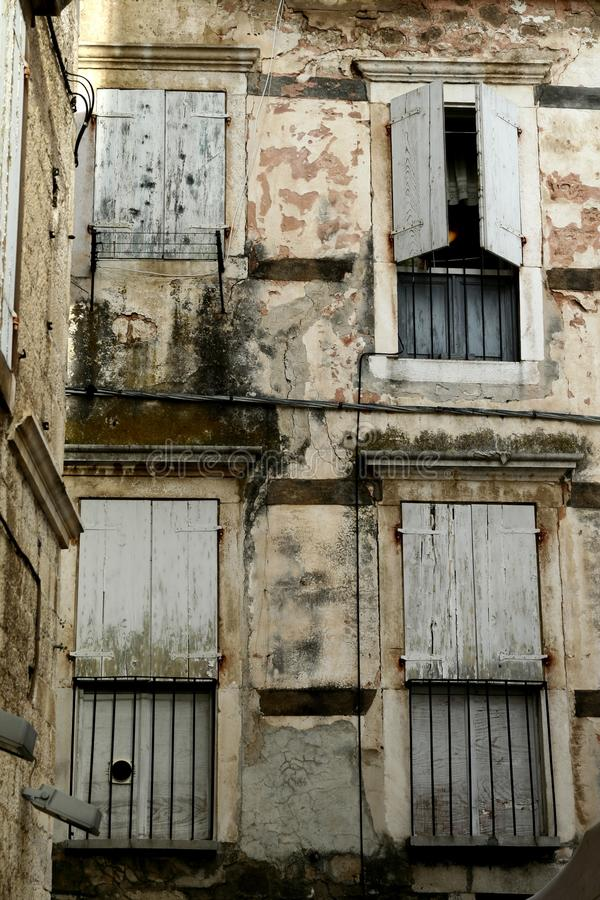 Trogir镇窗口 免版税图库摄影
