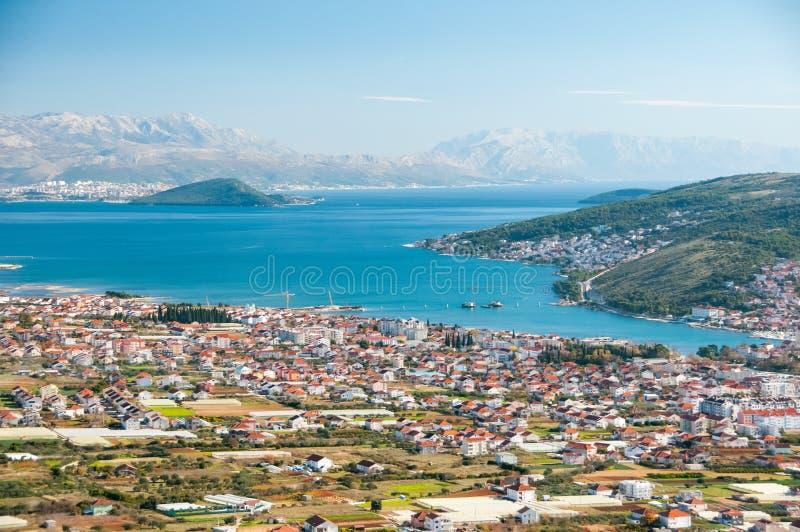 Trogir - eine historische Stadt und ein Hafen lizenzfreies stockfoto