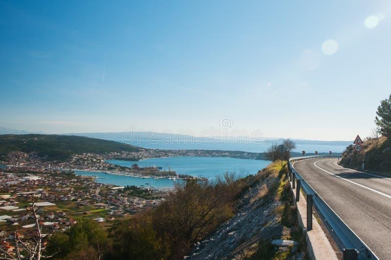 Trogir - eine historische Stadt und ein Hafen lizenzfreies stockbild
