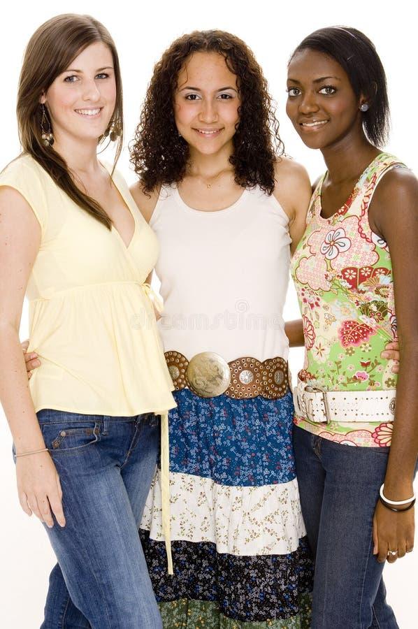 Download Trois amis photo stock. Image du heureux, femelles, occasionnel - 731458