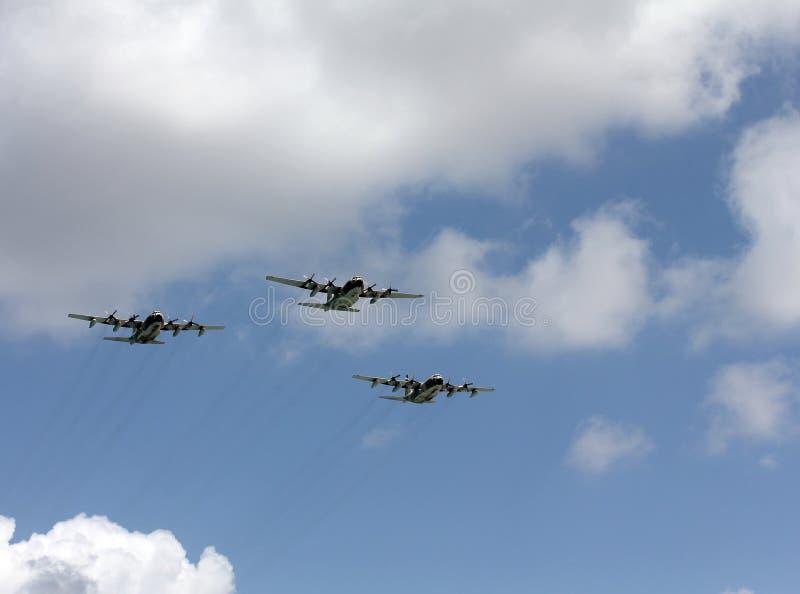 Trois avions quatre moteurs de turbopropulseur image stock