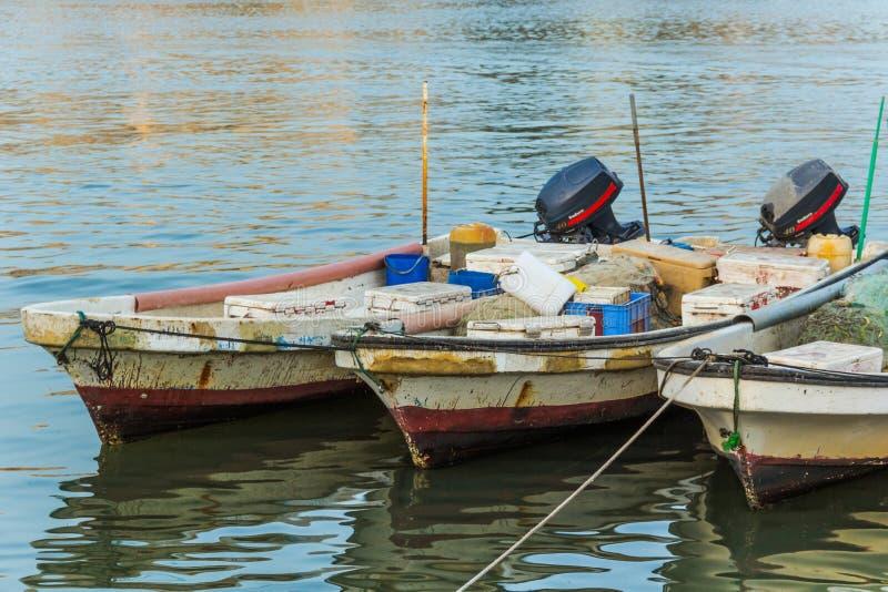 Trois bateaux de pêche au Bahrain images libres de droits
