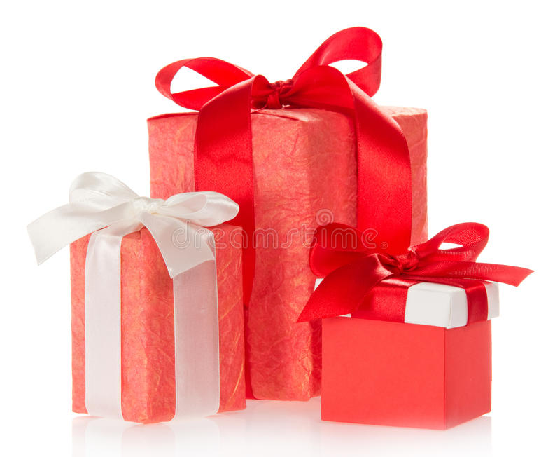 Trois boîte-cadeau décorés du ruban et de l'arc images stock