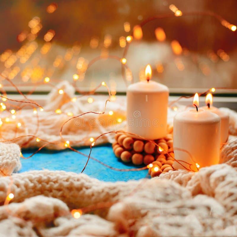 Trois bougies brûlantes images libres de droits
