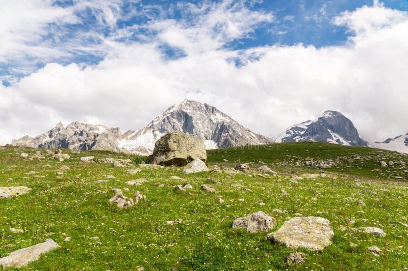 Trois crêtes de montagne photos libres de droits