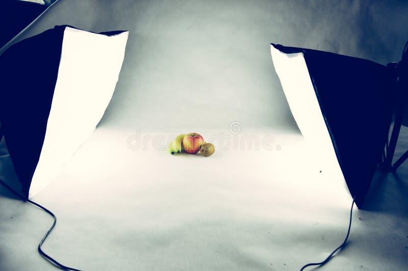 Trois fruits dans le studio de photographie photographie stock libre de droits