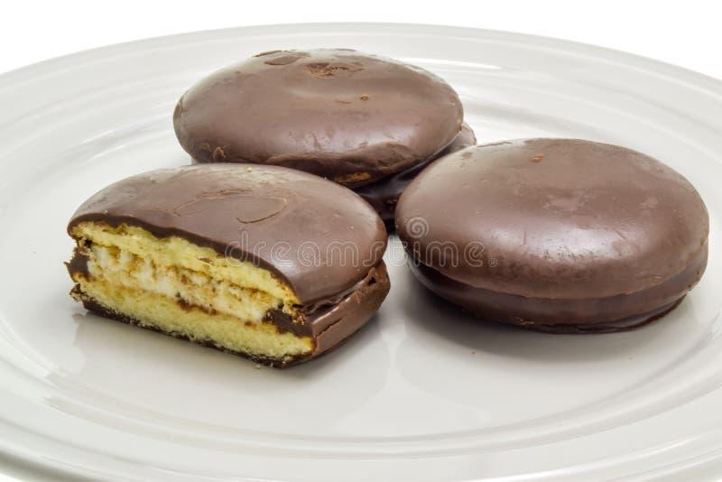 Trois gâteaux avec des guimauves image libre de droits
