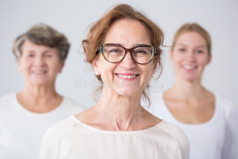 Trois générations de famille féminine photos stock
