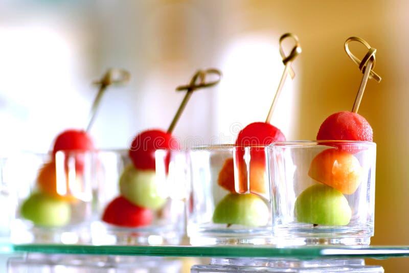 Trois macédoines de fruits photographie stock