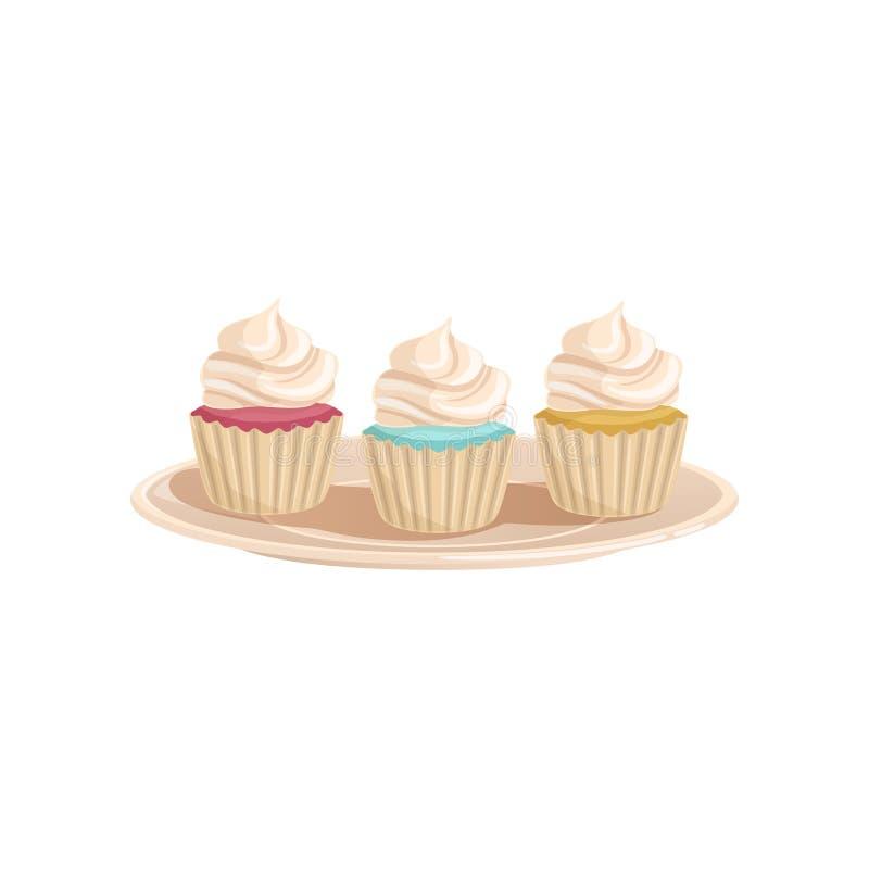 Trois petits gâteaux avec la crème fouettée Petits pains colorés et savoureux d'un plat Concept de dessert délicieux Bande dessin illustration stock