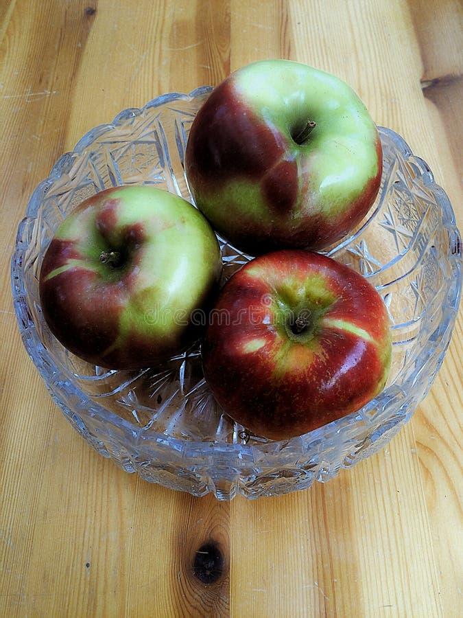 Trois pommes succulentes photo stock