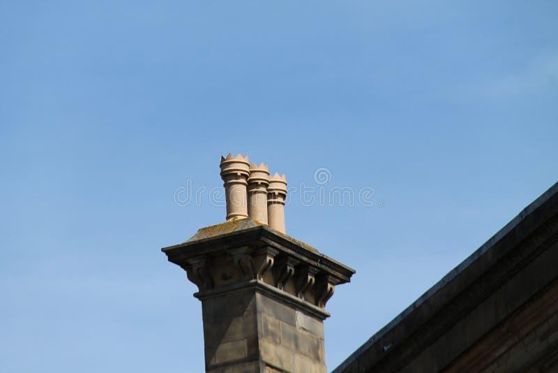 Trois pots de cheminée image stock