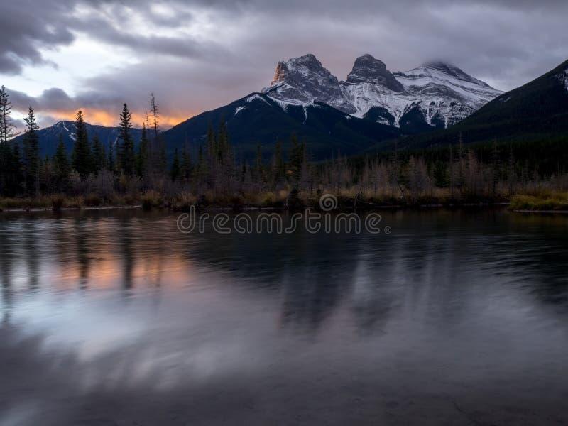 Trois soeurs, Canmore Alberta image libre de droits