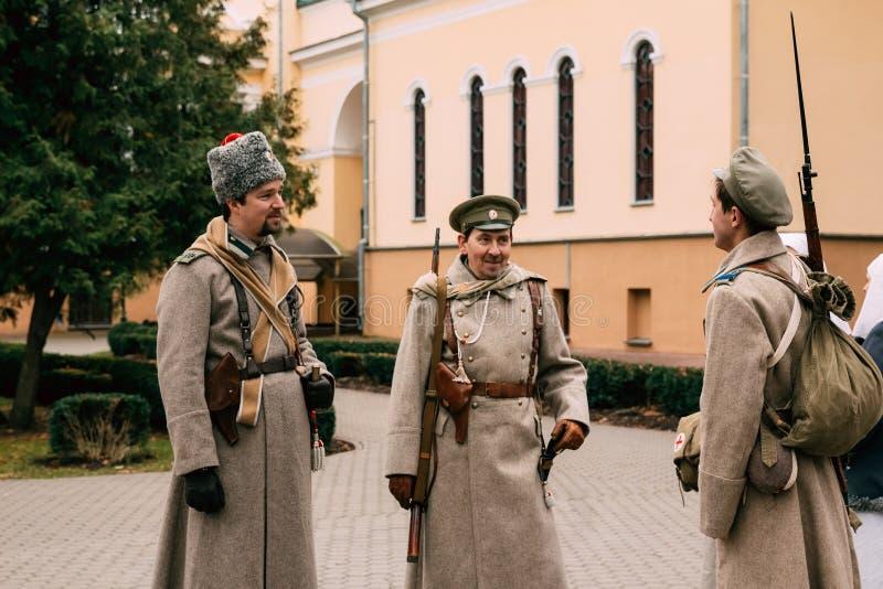 Trois soldats de la garde blanche à la révolution d'octobre de 1 photos stock