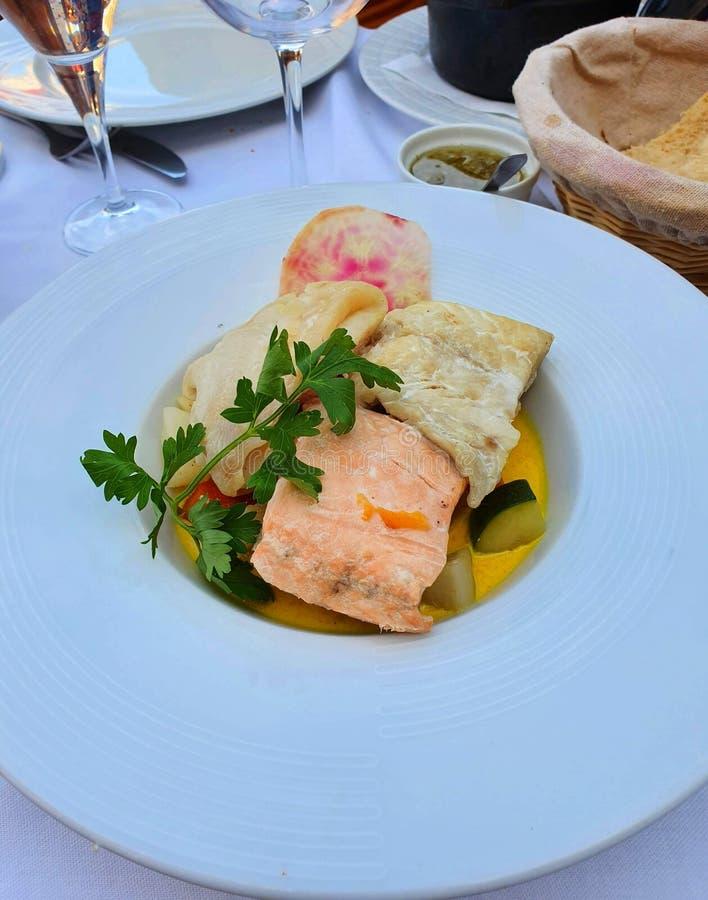 Trois steaks de poissons, cuisine française, gastronomie française image stock