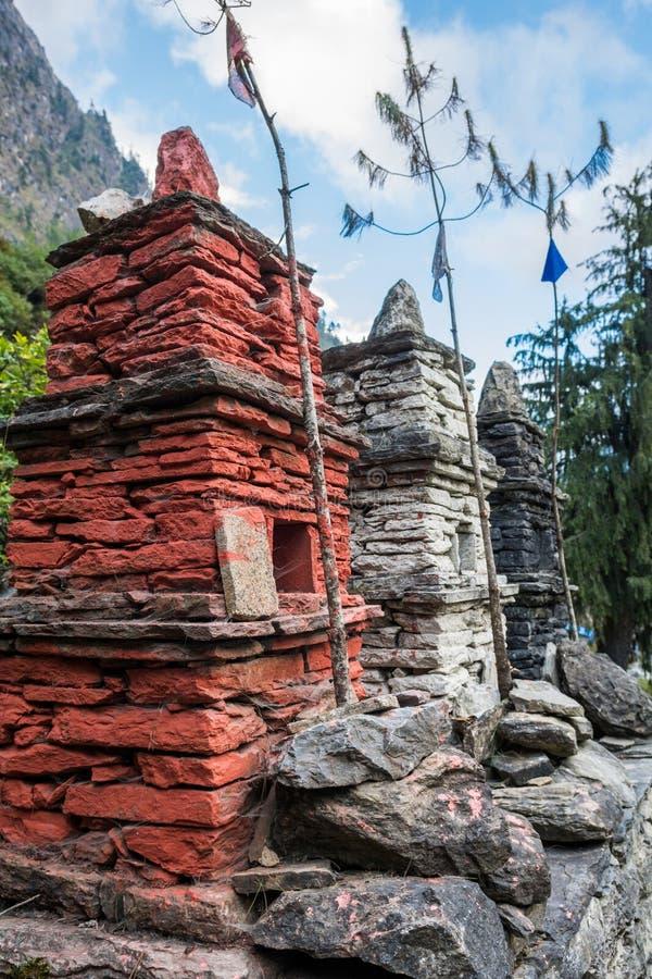 Trois stupas en pierre images stock