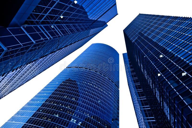 Trois tours modernes de gratte-ciel sur le blanc photo stock