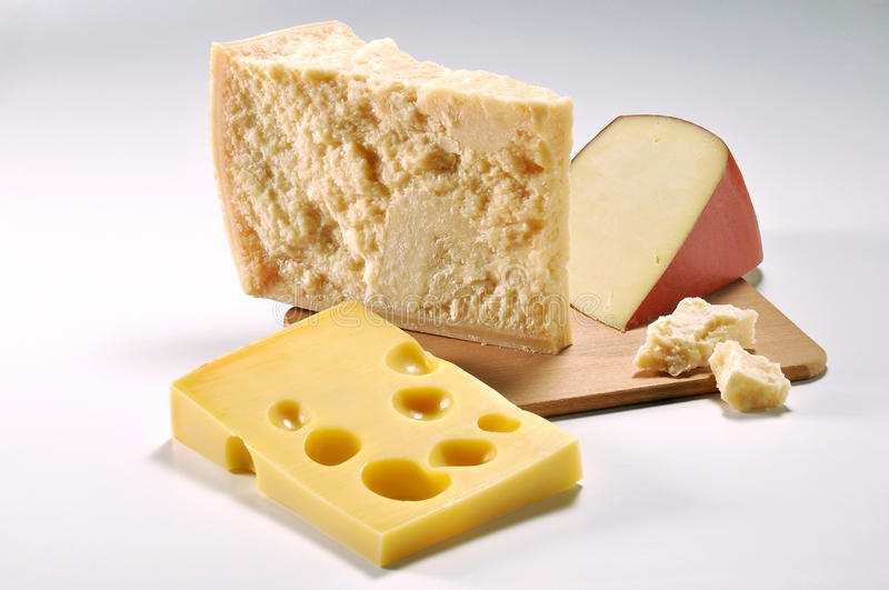 Trois tranches de fromage image stock