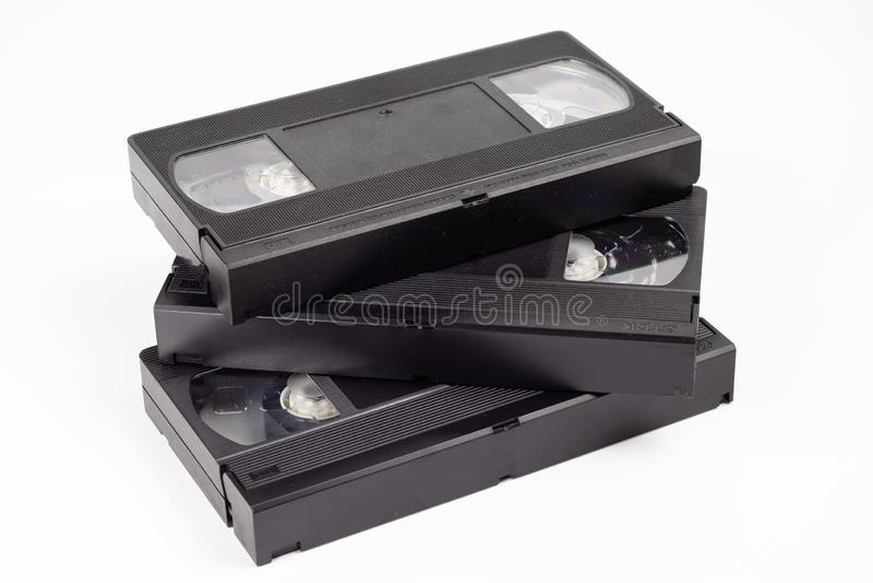 Trois vieilles cassettes vidéo noires photographie stock libre de droits