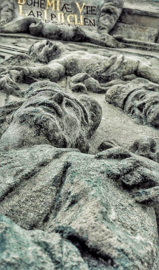 Trois visages en statue photo libre de droits