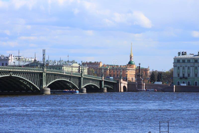 Troitskiy Brücke stockfotografie