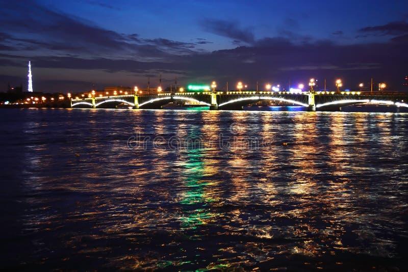 troitsky όψη νύχτας γεφυρών στοκ φωτογραφία με δικαίωμα ελεύθερης χρήσης