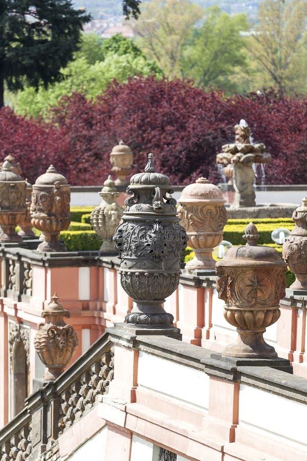 Troja宫殿,神话赤土陶器花瓶,布拉格,捷克 图库摄影