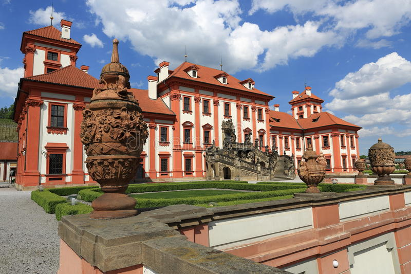 Troja-Palast ist ein barocker Palast, der in Troja, Prags Nordweststadt gelegen ist (Tschechische Republik) lizenzfreies stockbild