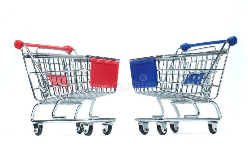 Trole de compra isolado imagem de stock