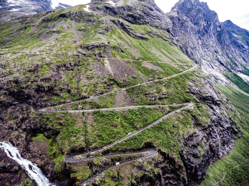 Troll дорога горы замотка пути Trollstigen или Trollstigveien ` s стоковое фото