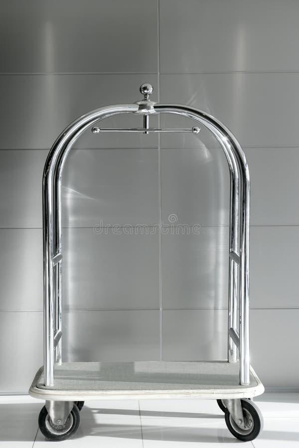 trolley för silver för barrowkromhotell lyxig royaltyfri bild