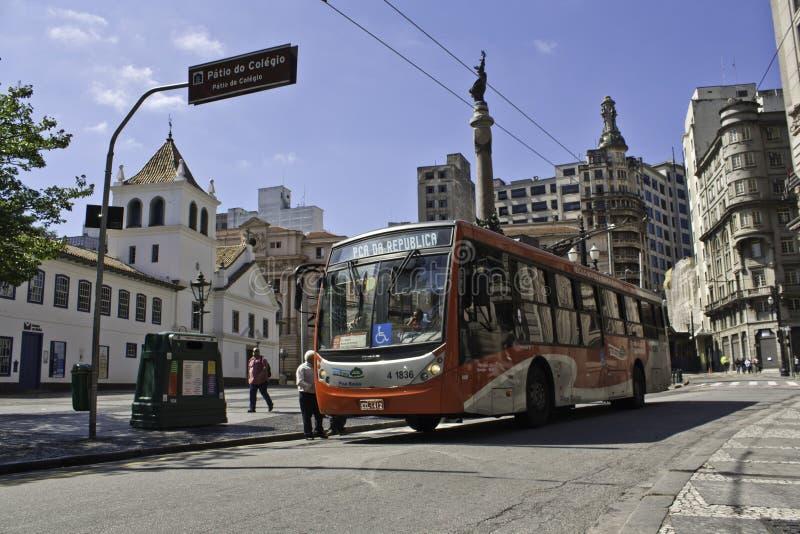 Trolleybus em São Paulo fotografia de stock