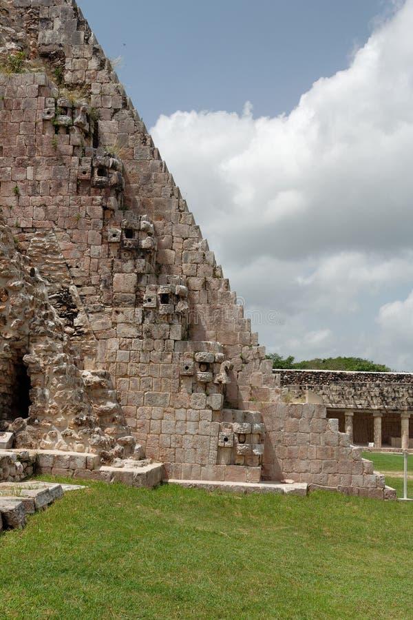 trollkarlmexico pyramid uxmal yucatan arkivfoton