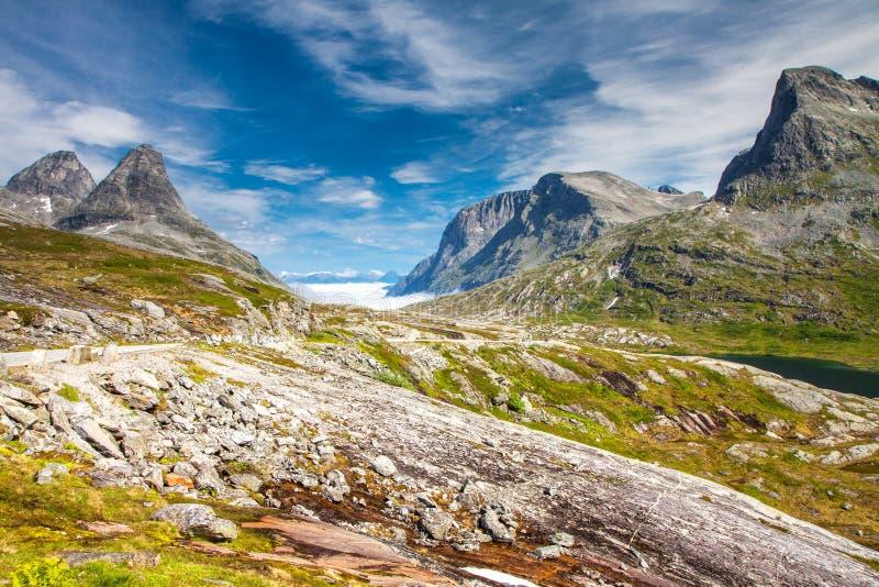 Trollstigen błyszczki droga w Norwegia fotografia royalty free