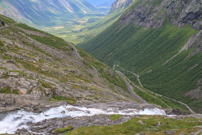 Trollstigen, norwegische nationale Straße RV63 stockbilder