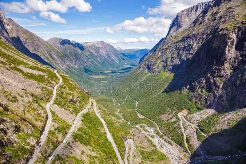 Trollstigen Rauma wężowaty drogowy zarząd miasta Więcej og Romsdal okręg administracyjny Norwegia Scandinavia zdjęcie royalty free