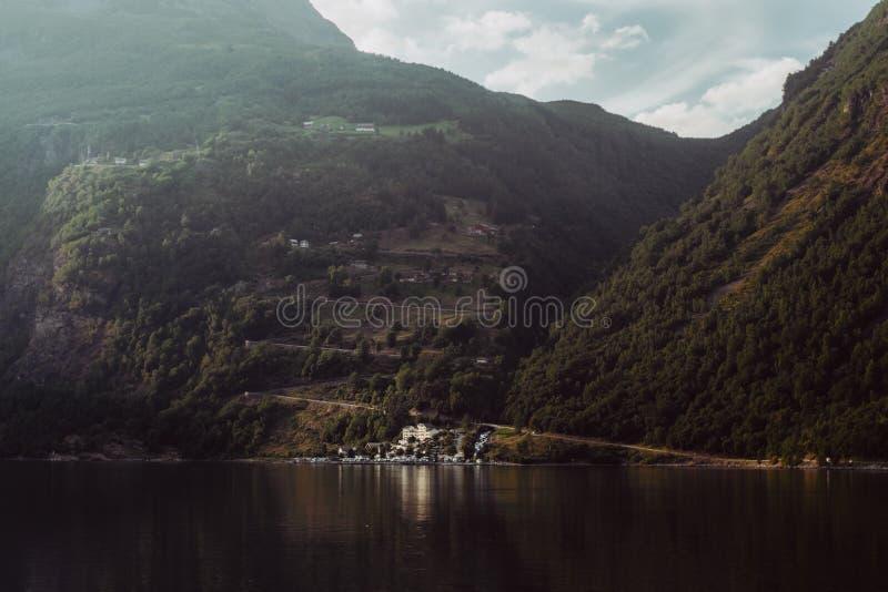 Trollstigen - vägen av fiska med drag i fotografering för bildbyråer